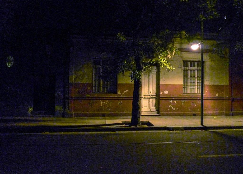 Calle triste, Santiago, 2010 | by Marcelo  Montecino