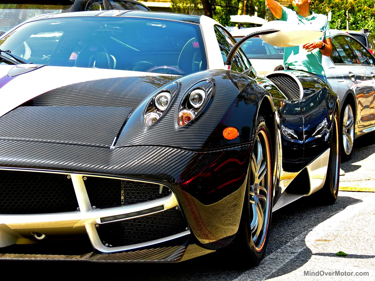 Greenwich Pagani Huayra black and white