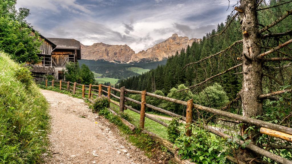 La villa trentino alto adige italy landscape photogra for Mobilificio trentino alto adige
