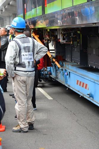台中捷運綠線電車:川崎原廠工作人員