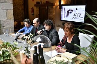 Acto de presentación. De izquierda a derecha: Julia Gómez Prieto; Álvaro Parro; Jaime Pagai; y Ángela Egia.
