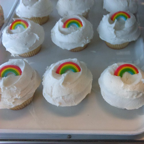 Rainbow #cupcakes #pride #savannah