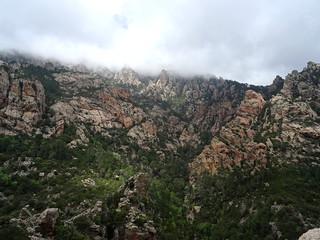 Les aiguilles rocheuses sous Punta di Quercitedda