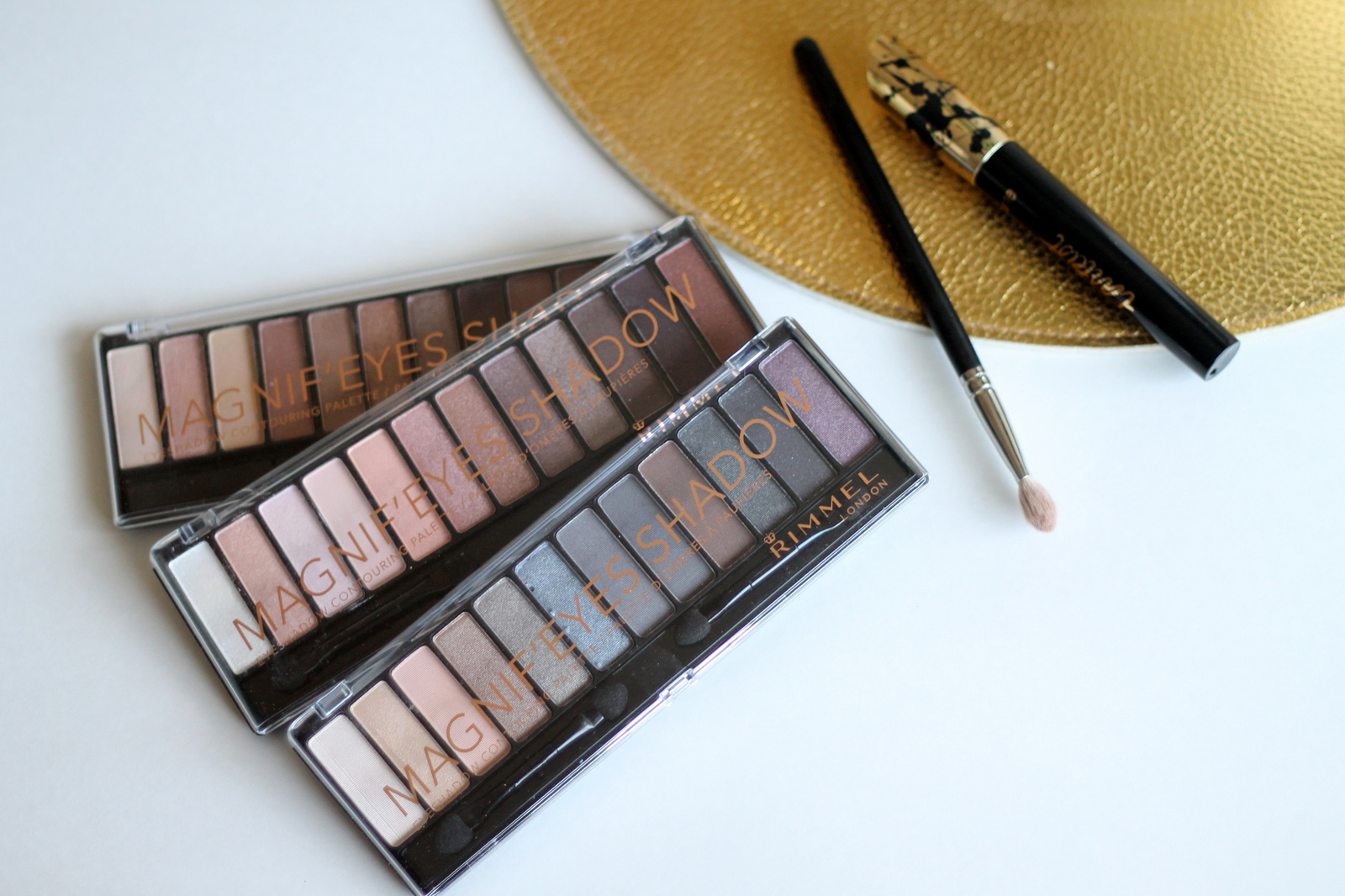 Magnif'eyes Shadow Palette Review | Re-Mix-Her