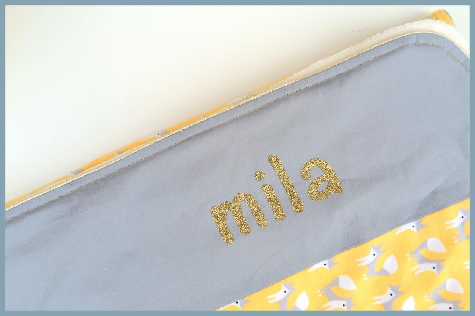 mila (gold detail)