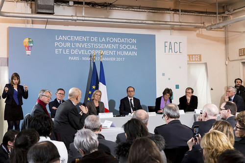 Lancement de la Fondation pour l'Investissement Social et le Développement Humainalbum