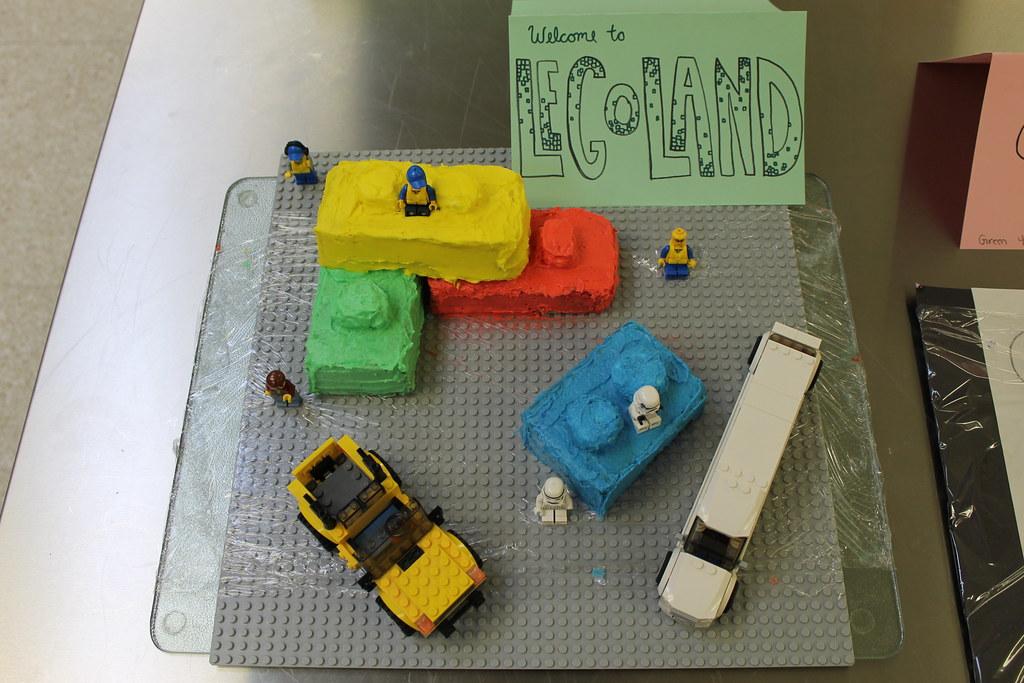 PHS cake-decorating contest