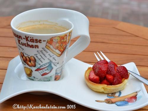 Erdbeeren im Pfannkuchenkörbchen