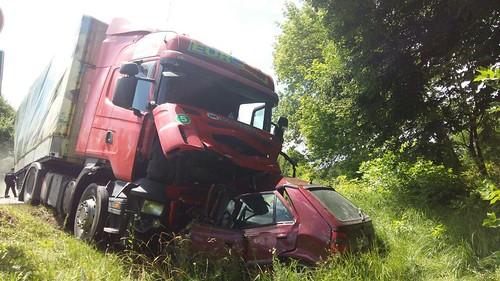 Вантажівка розчавила «Шкоду»