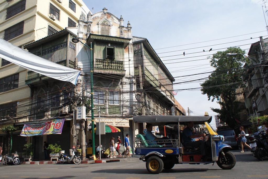 Immeuble ancien d'influence occidentale dans le quartier chinois de la capitale thailandaise.