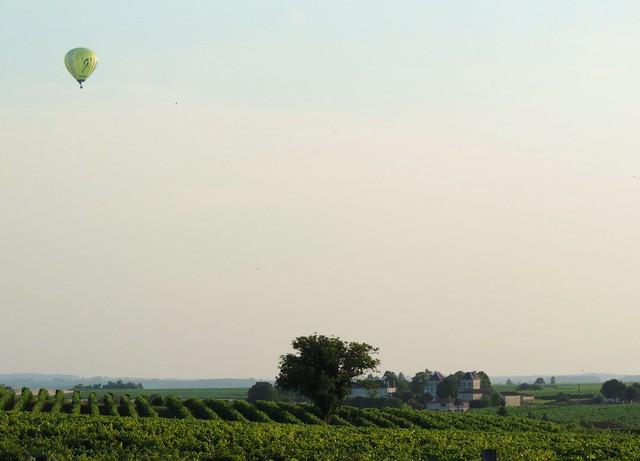 Montgolfière over Salles d'Angles
