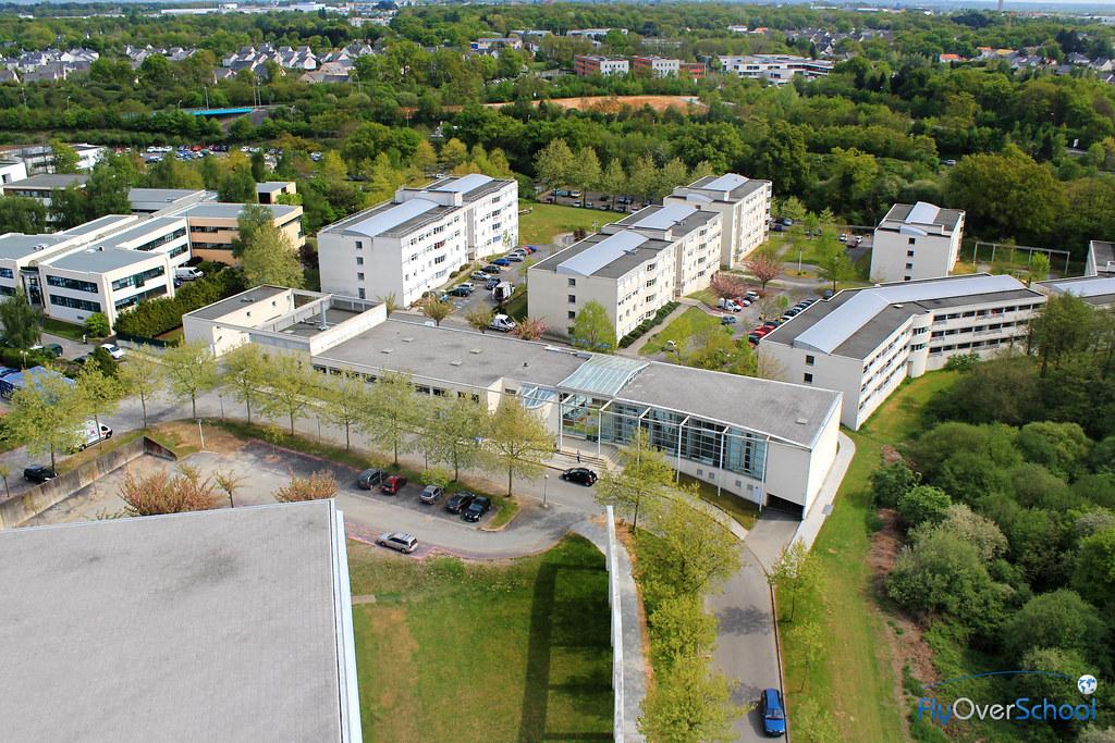 Maison des l ves campus de nantes cr dits photo fly ove for Construction maison 3d a nantes