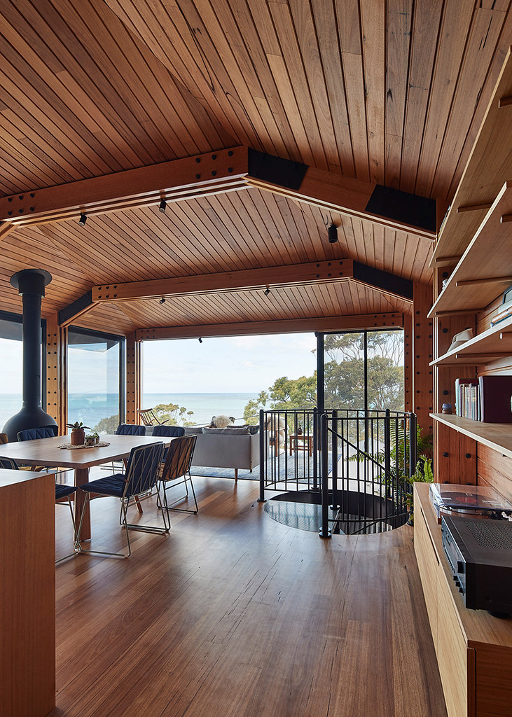 House on stilts design by Austin Maynard Architects in Australia Sundeno_12