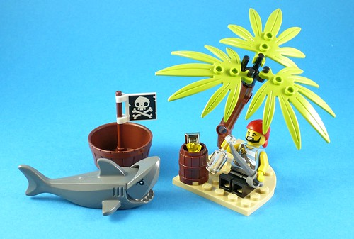 LEGO Pirates 5003082 Classic Pirate Minifigure 05