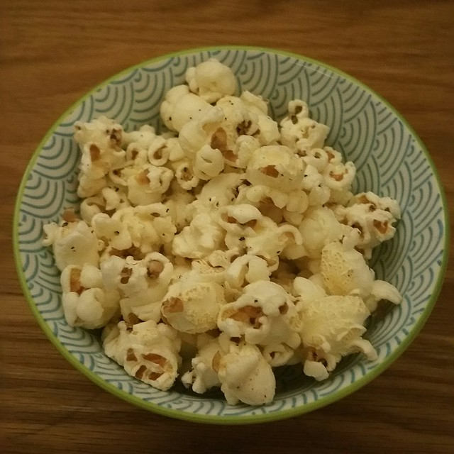 2017-Jan-20 Dine Out Vancouver 2017 - Torafuku - flavoured popcorn while you wait for your meal