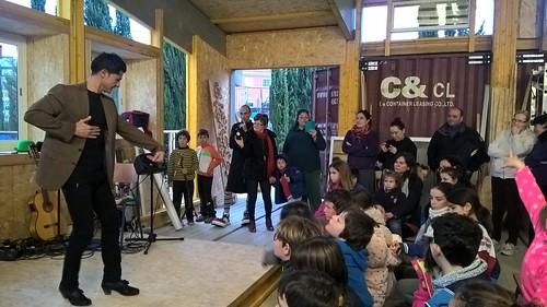 Actividad de animación flamenca en las obras del comedor del Colegio Europa