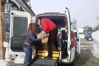 Noicattaro. Consegna coperte e viveri nelle zone terremotate front