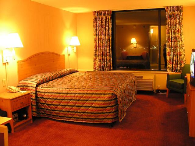 Comfort Suites Room Service