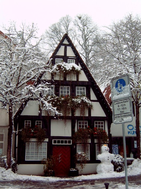 German House Designs: A House Around The Corner I Wanted To