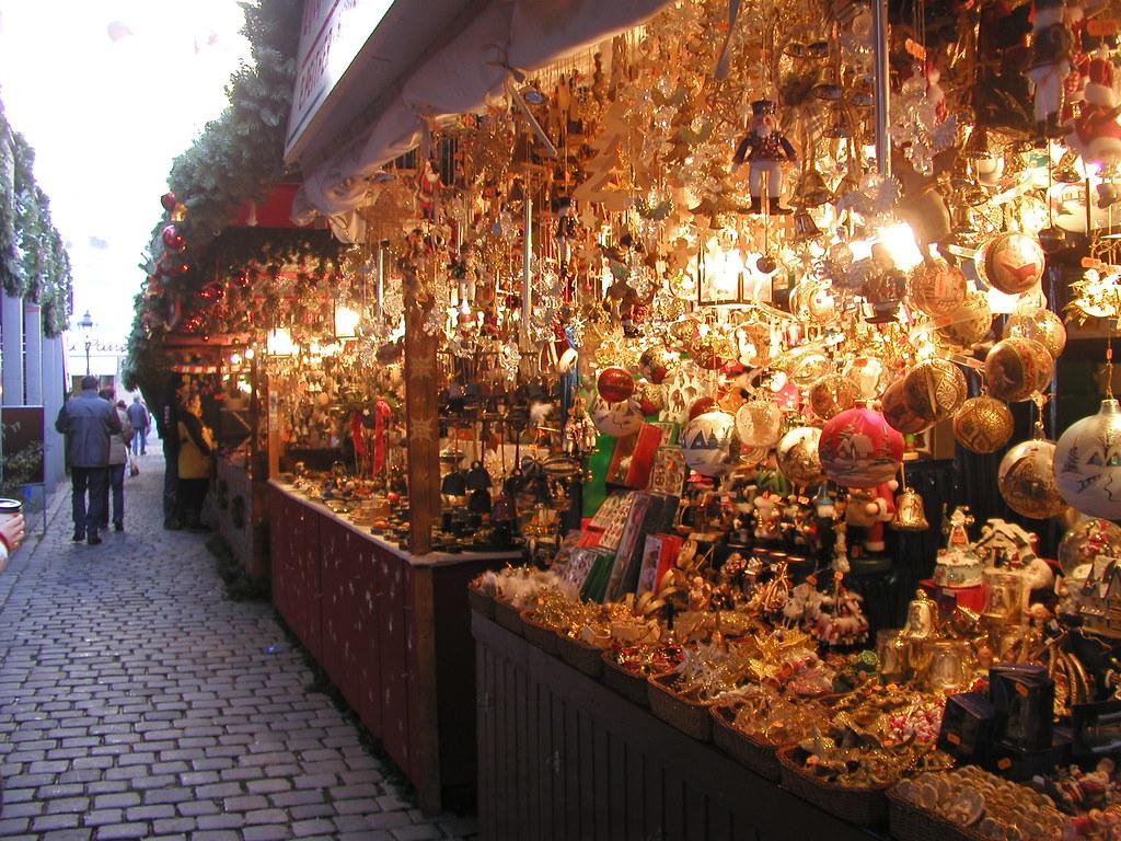 Nuremberg Christmas Market 2005 010   Christmas ornament boo…   Flickr