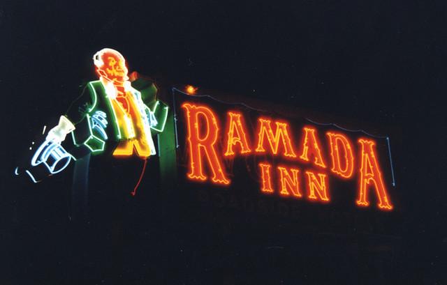 Ramada Inn Neon I  Effingham  Il