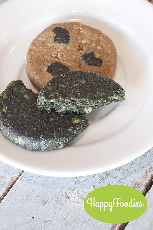 The no-bake Hemp (P65) and Almond Spirulina (P65) cookies