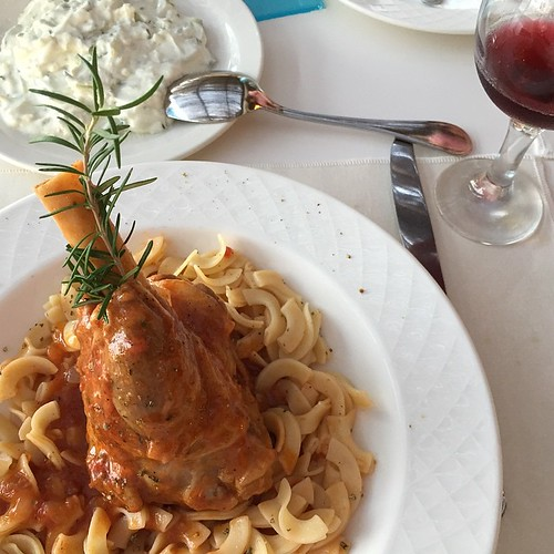 Main course: lamb leg with pasta and a huge portion of Zaziki for me aside at the tavern of @apollonia_beach_hotel - #foodblogday #foodblogday15   #foodblogdays #travelculinarygreece #apolloniabeachcrete #greece #crete #kreta  #wedolocalApollonia #blogtro