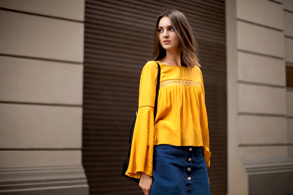 hm-mustard-blouse-70s-trend-street-style