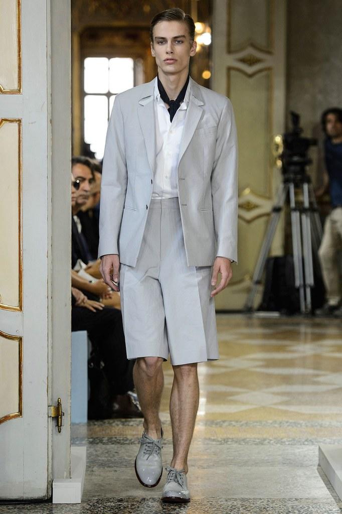 SS16 Milan Corneliani021_Marc Schulze(fashionising.com)