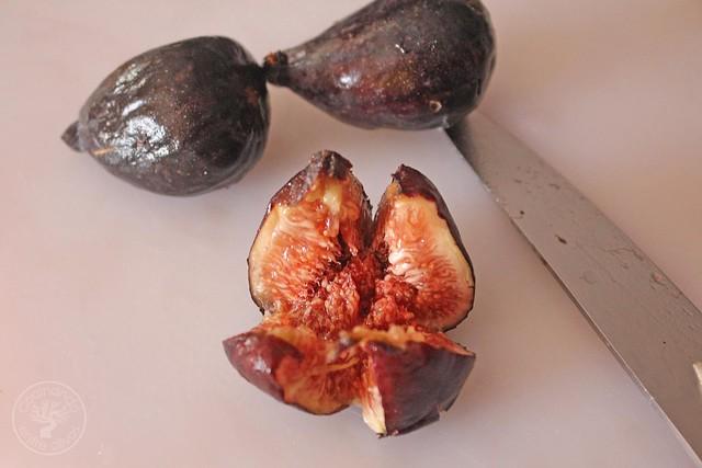 Ensalada de brevas rellenas de foie con vinagreta de picotas del Jerte (7)