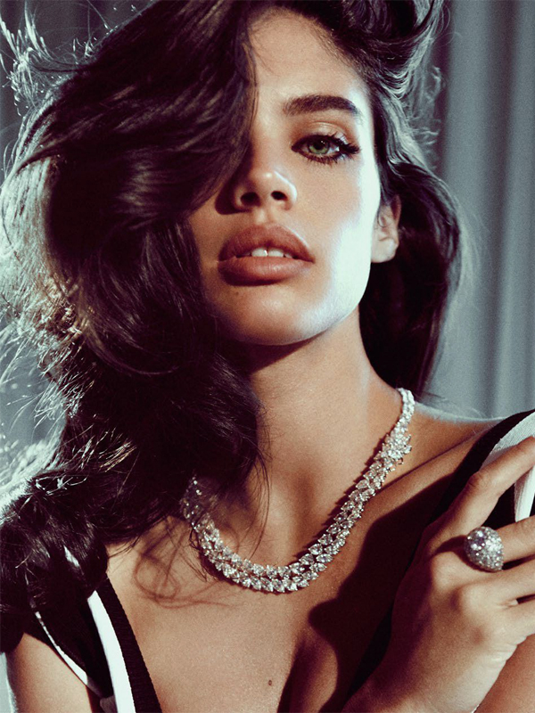 Sara Sampaio by Jack Waterlot - L'officiel Singapore