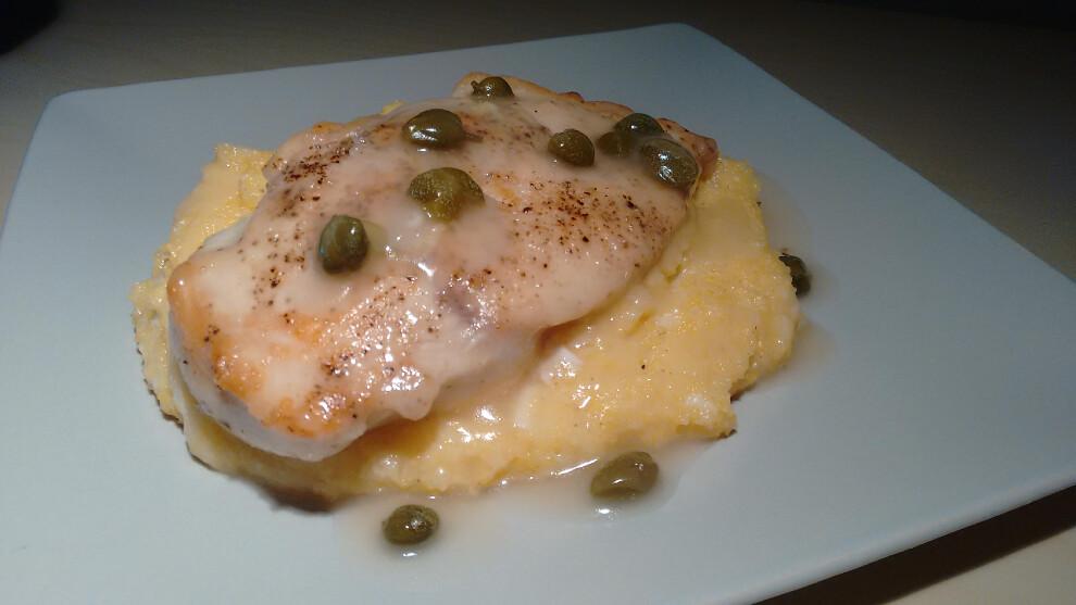 Piccata de pollo con polenta