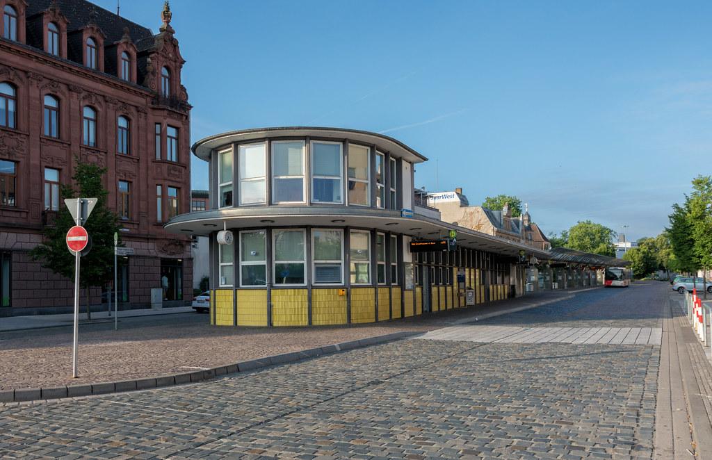 saarlouis busbahnhof kleiner markt saarlouis ist mit rund flickr. Black Bedroom Furniture Sets. Home Design Ideas