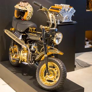 honda mini motorrad aus gold stock photos fotos