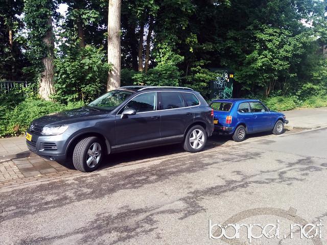 Down on the Street: Blue Honda Civic Mk1