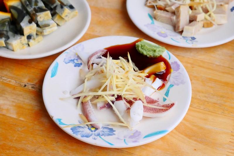 31508625883 d9f2407cc0 c - 小林雞肉飯:天天午晚餐客滿排隊 招標虱目魚魚肚丸湯好吃必點!
