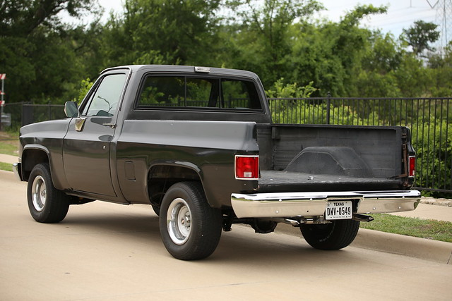 1986 Chevy C10 SWB with 350 motor