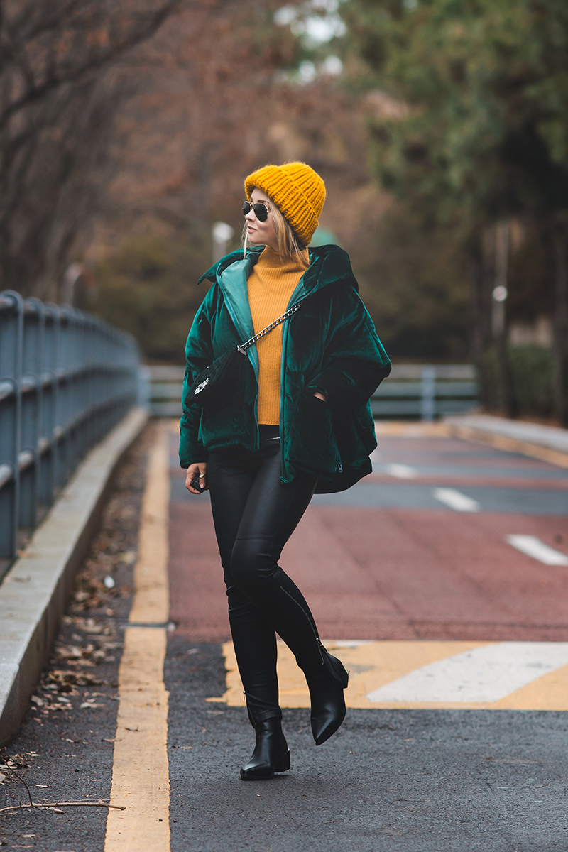 Olga Choi myblondegal fashion blogger South Korea Ольга Цой стилист байер Styled Moscow green velvet padded jacket Gvozdishe Knitting yellow hat Romwe sweater ankle boots-04777-2 copy