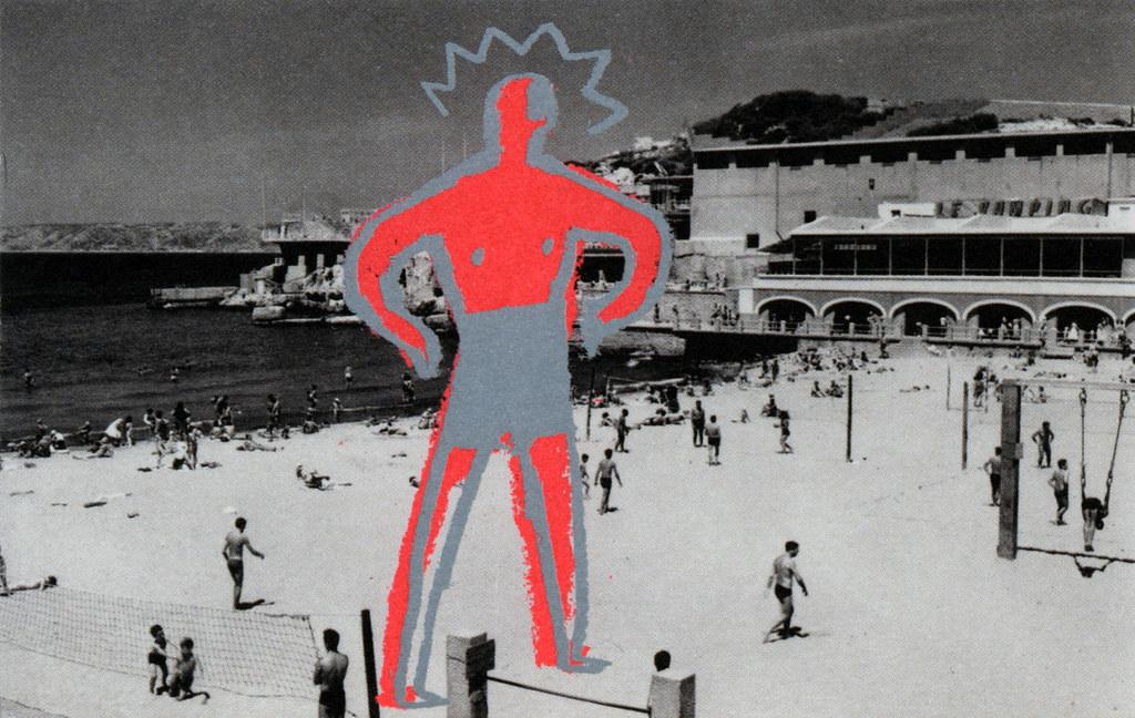 """Carte postale du Titan sur la plage sobrement appelé """"Marseillais"""" de Bonnefrite chez Fotokino."""