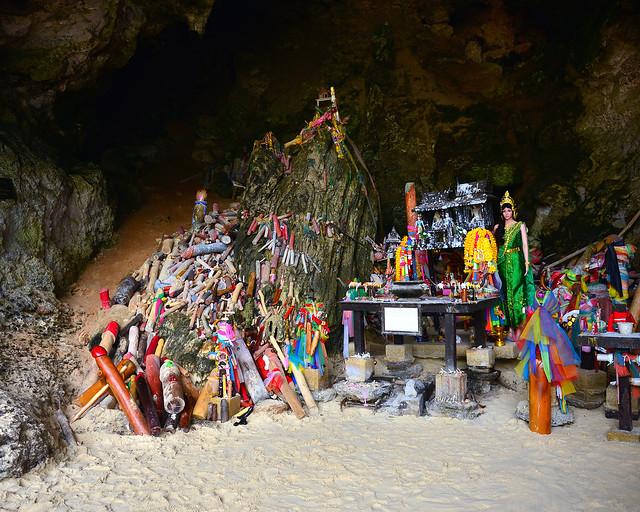 Cueva tribujo a la fertilidad de Railay