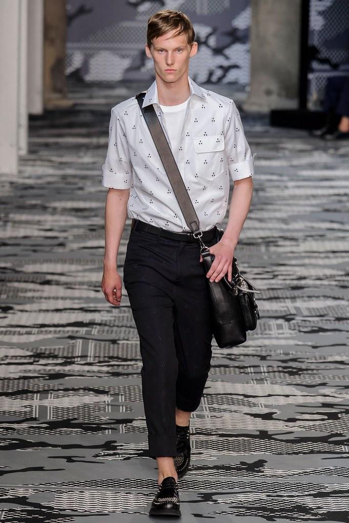 SS16 Milan Neil Barrett029_Carl Axelsson(fashionising.com)