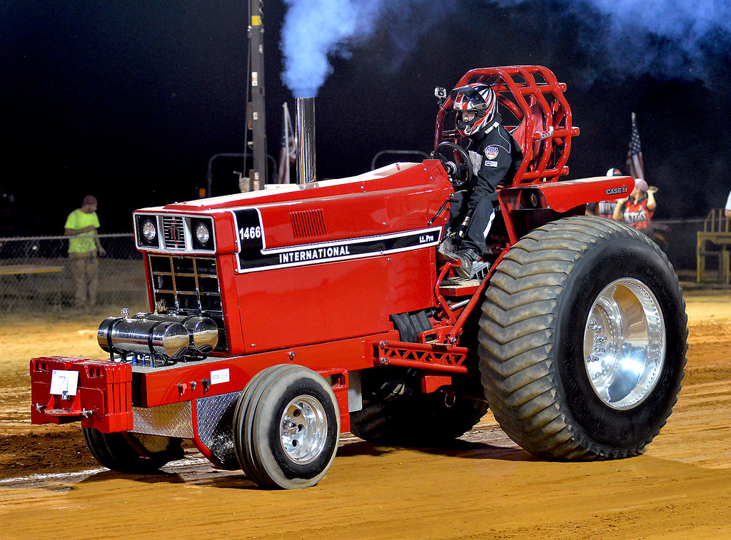 International 1466 Pulling Tractor Warming Up At The