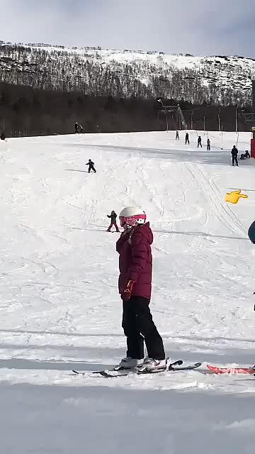 Ungenes første tur i skitrekk