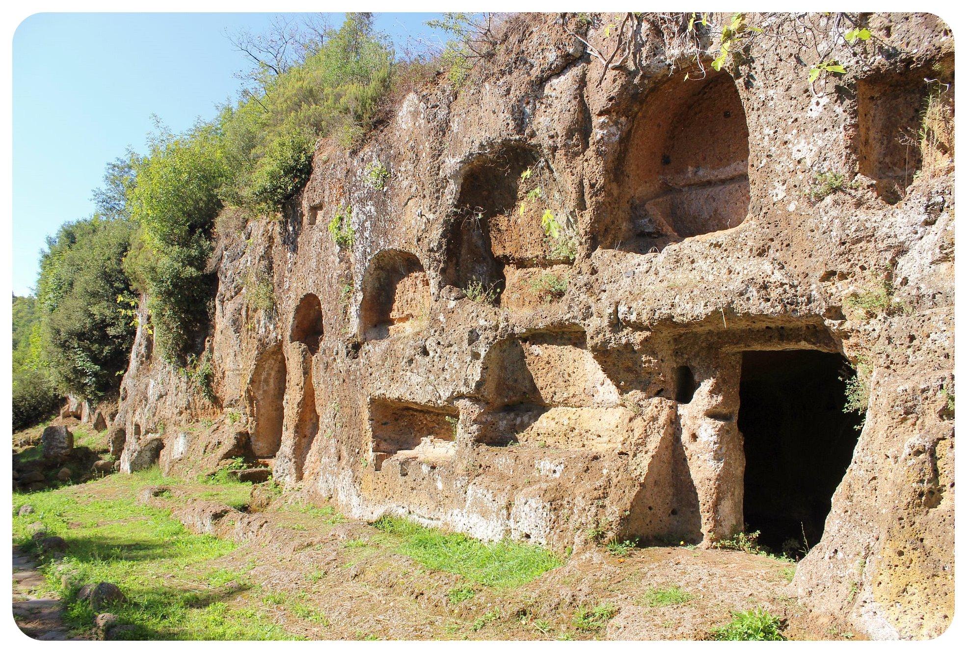 via amerina Necropoli dei Tre Ponti