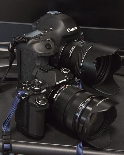 OM-D E-M5 II & EOS 5D Mark III01