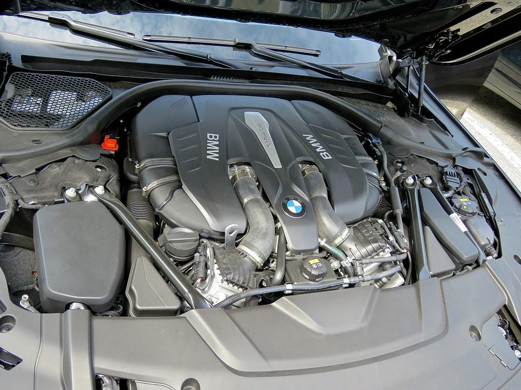 BMW G11 750i 7
