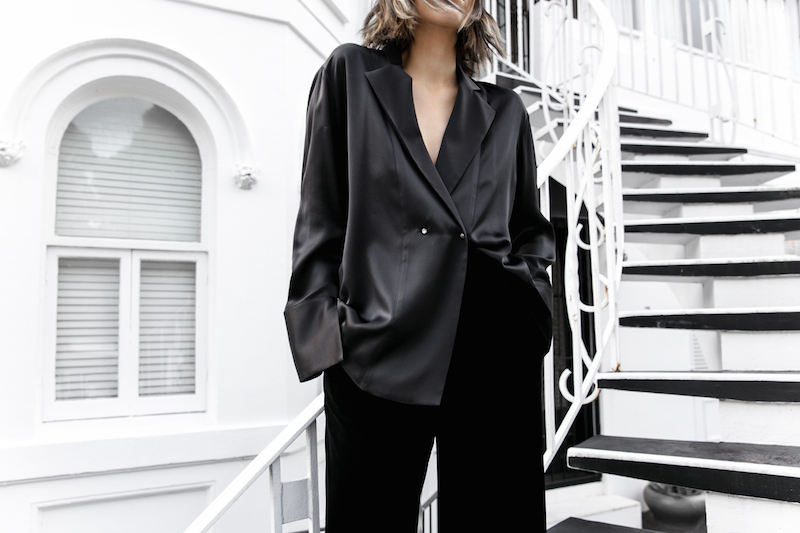 minimal all black outfit street style blogger modern legacy pyjama dressing Gucci dionysus leather bag (8 of 8)