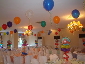 floating balloons for a nemo party | the table ...