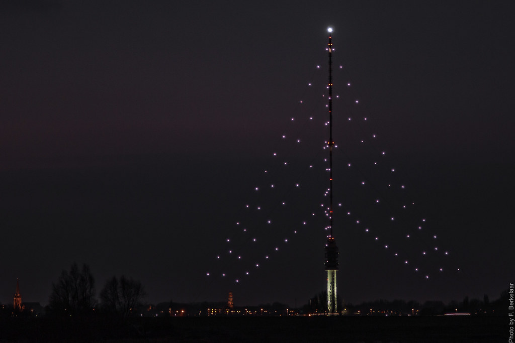 gerbrandytoren by night biggest christmas tree in the world ijsselstein by - Biggest Christmas Tree In The World