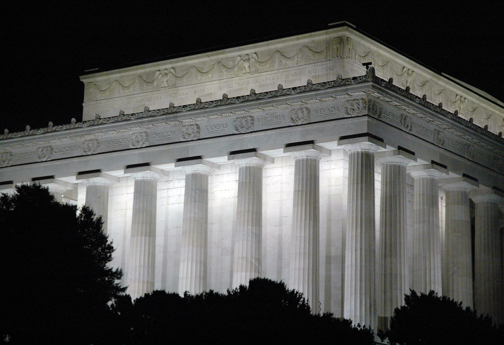 parthenon and lincoln memorial The american public did not see the hat again until 1893, when the smithsonian lent it to an exhibition hosted by the lincoln memorial association today it is one of the institution's most treasured objects.
